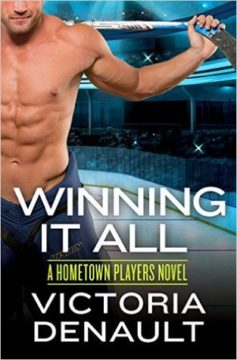 {Review+Giveaway} Winning It All by Victoria Denault @BooksbyVictoria @GrandCentralPub @ForeverRomance